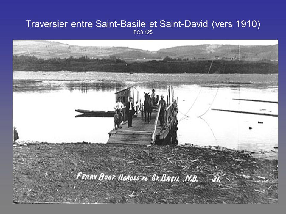 Traversier entre Saint-Basile et Saint-David (vers 1910) PC3-125