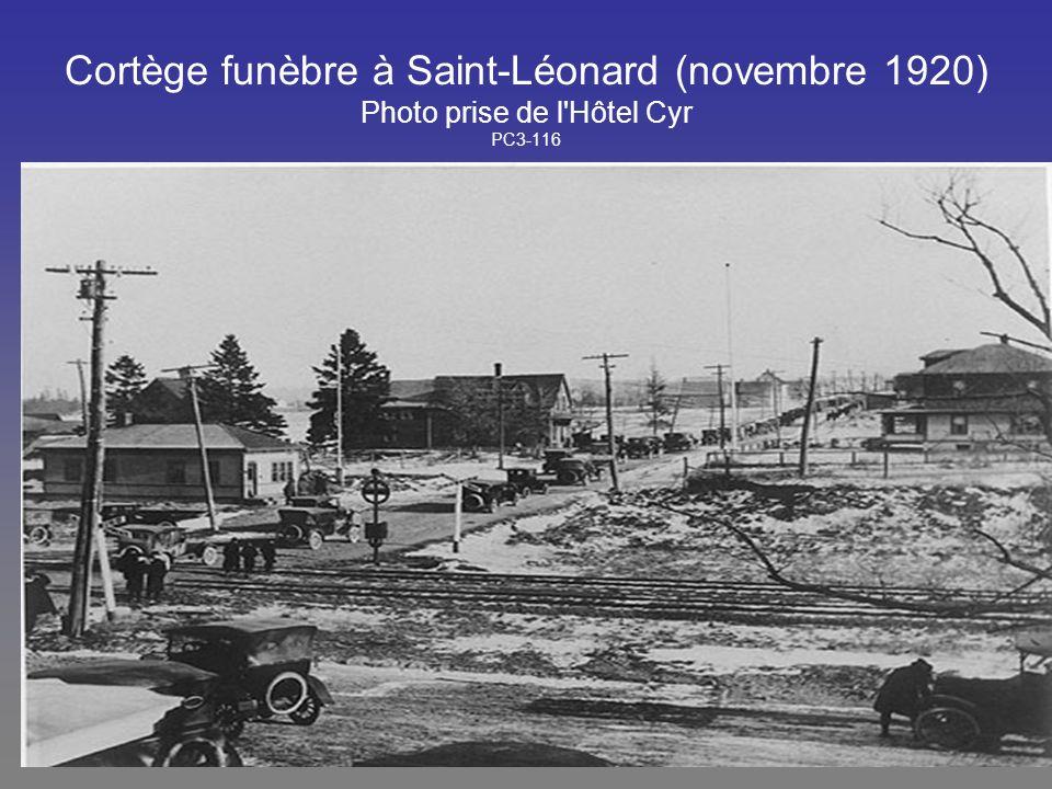 Cortège funèbre à Saint-Léonard (novembre 1920) Photo prise de l Hôtel Cyr PC3-116