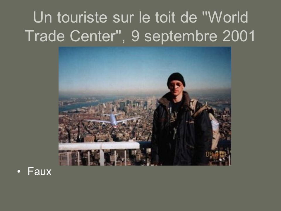 Un touriste sur le toit de World Trade Center , 9 septembre 2001