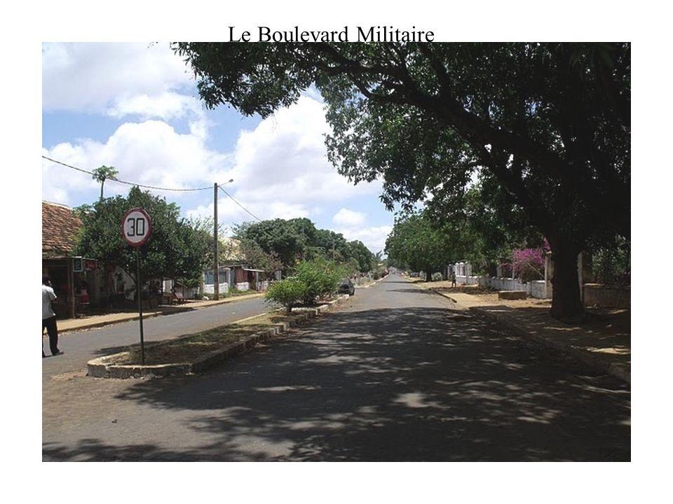 Le Boulevard Militaire