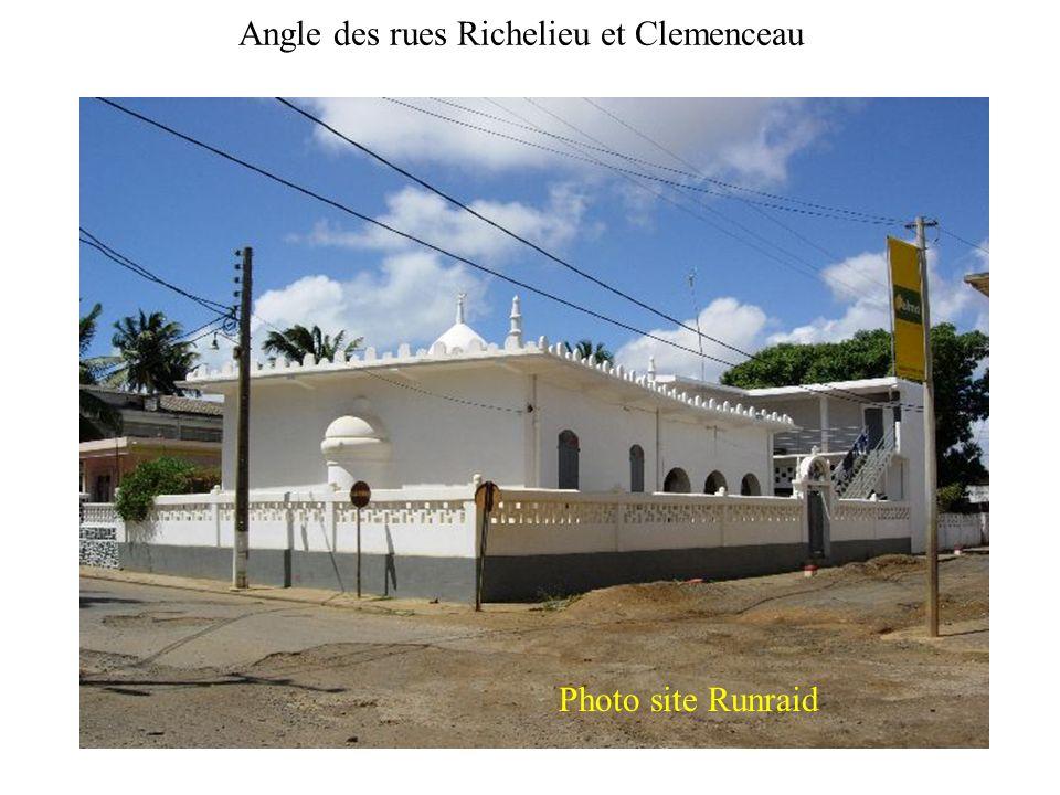 Angle des rues Richelieu et Clemenceau