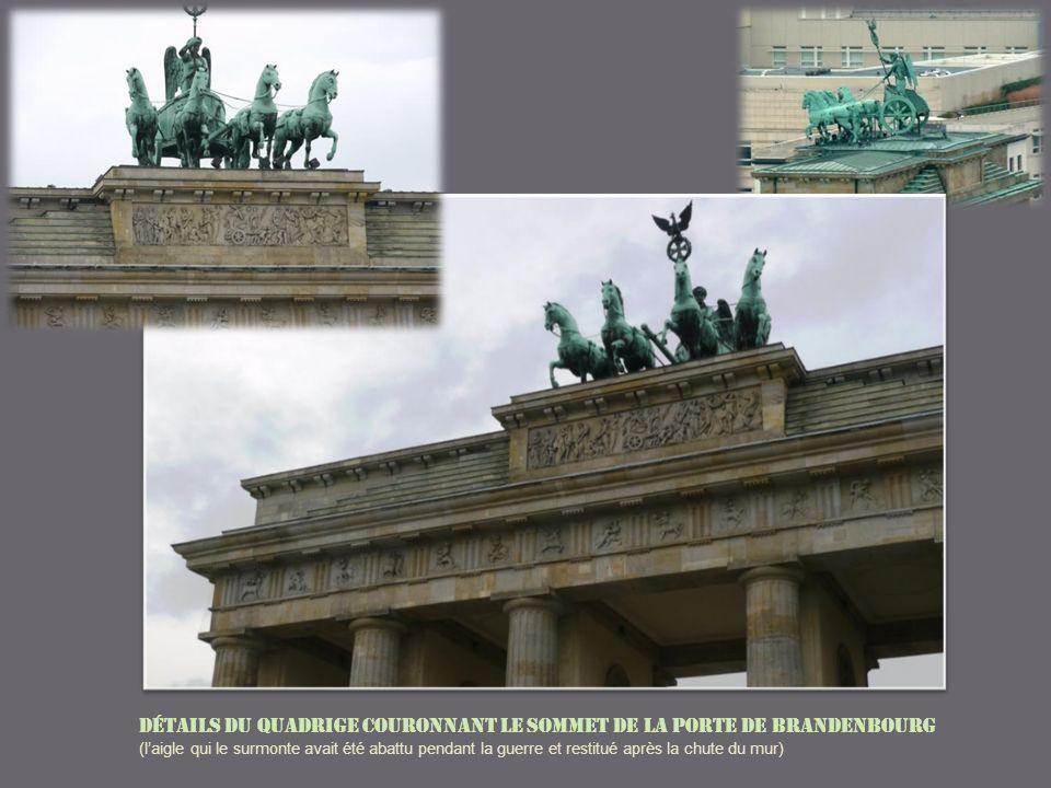 Détails du quadrige couronnant le sommet de la Porte de Brandenbourg