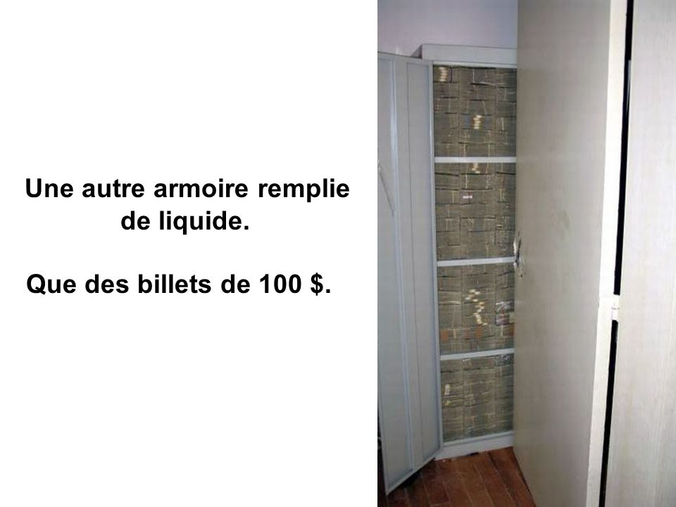 Une autre armoire remplie de liquide.
