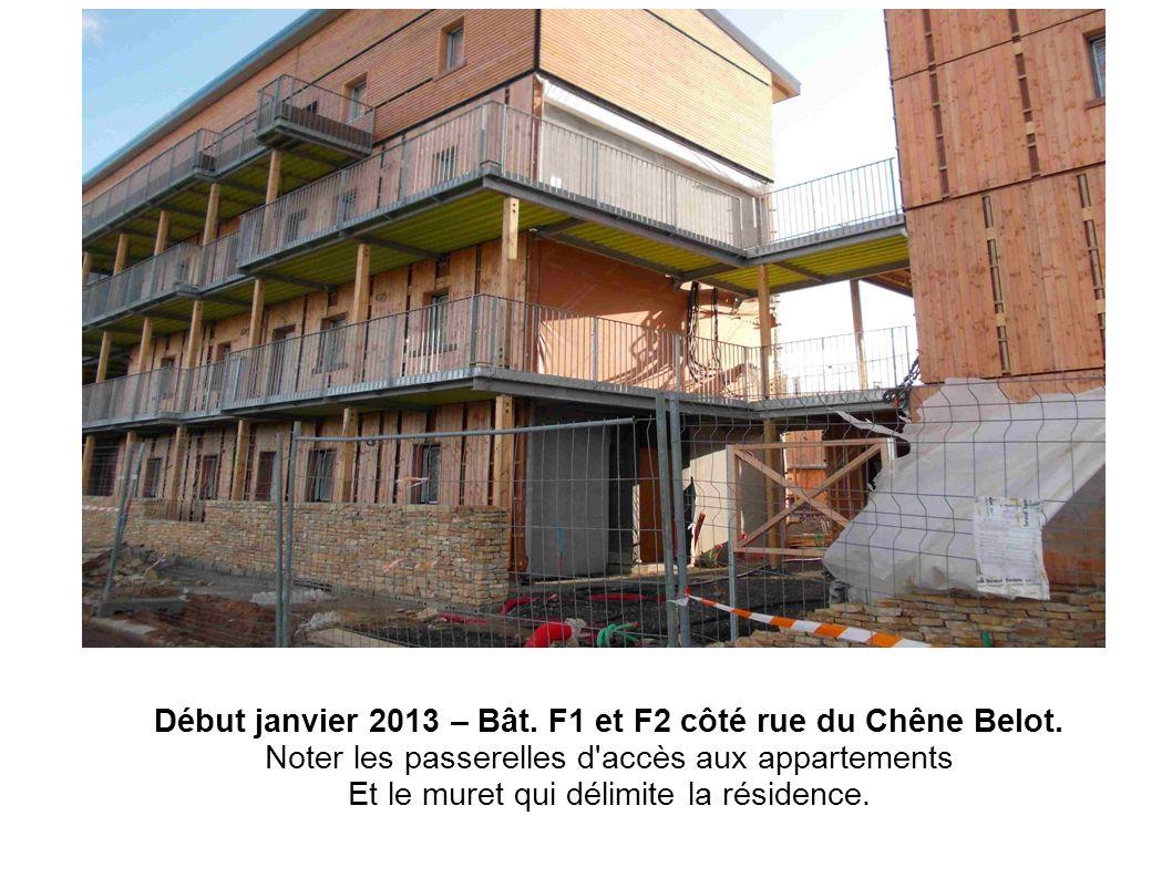 Début janvier 2013 – Bât. F1 et F2 côté rue du Chêne Belot.