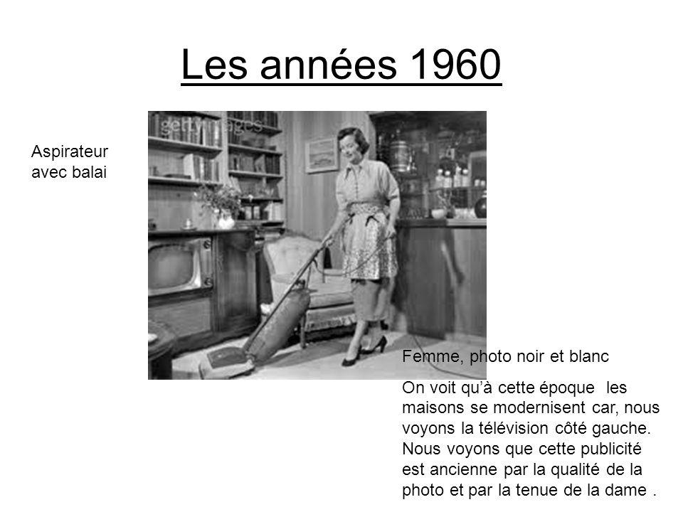 Les années 1960 Aspirateur avec balai Femme, photo noir et blanc