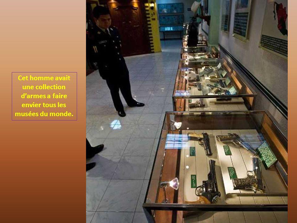 Cet homme avait une collection d'armes a faire envier tous les musées du monde.