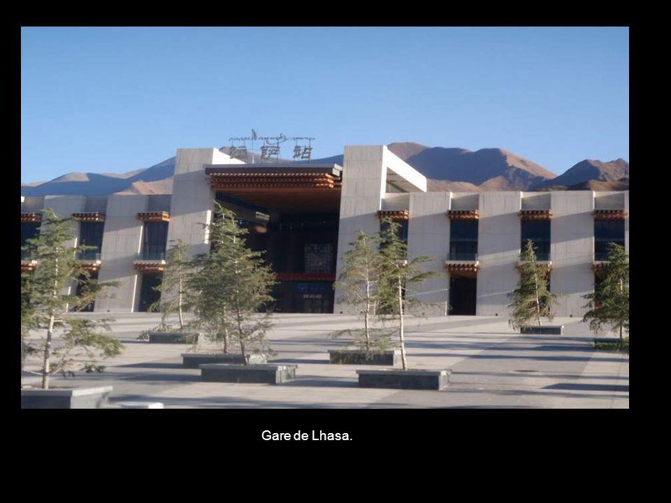 Gare de Lhasa.