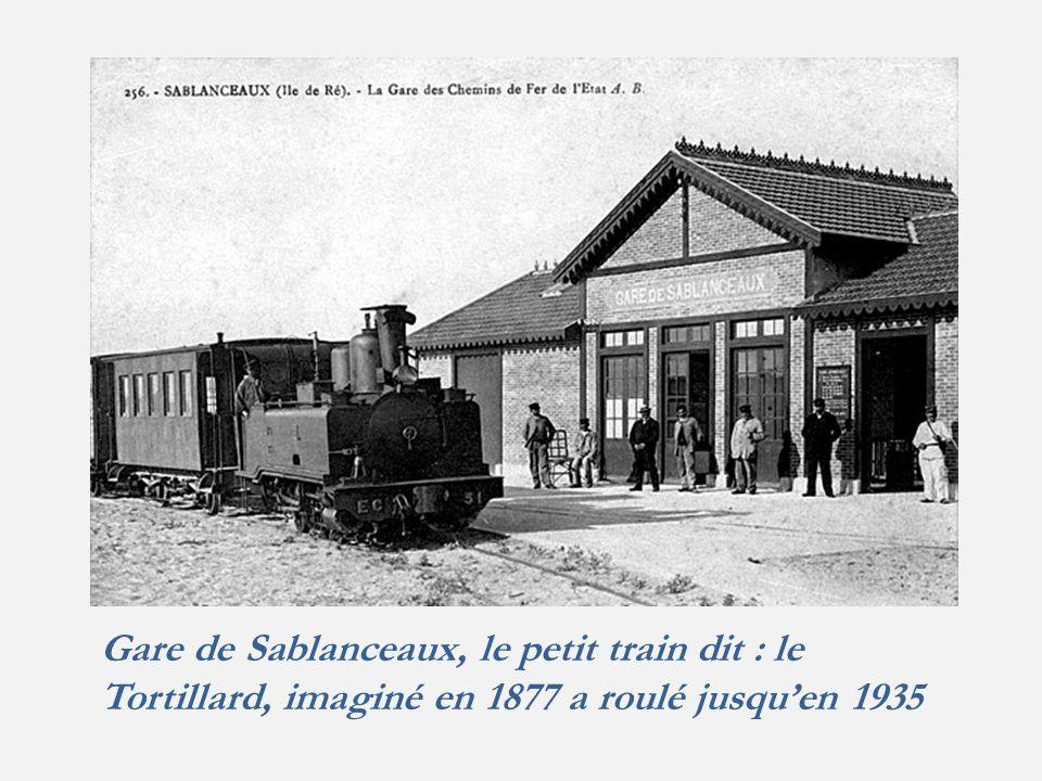 Gare de Sablanceaux, le petit train dit : le Tortillard, imaginé en 1877 a roulé jusqu'en 1935