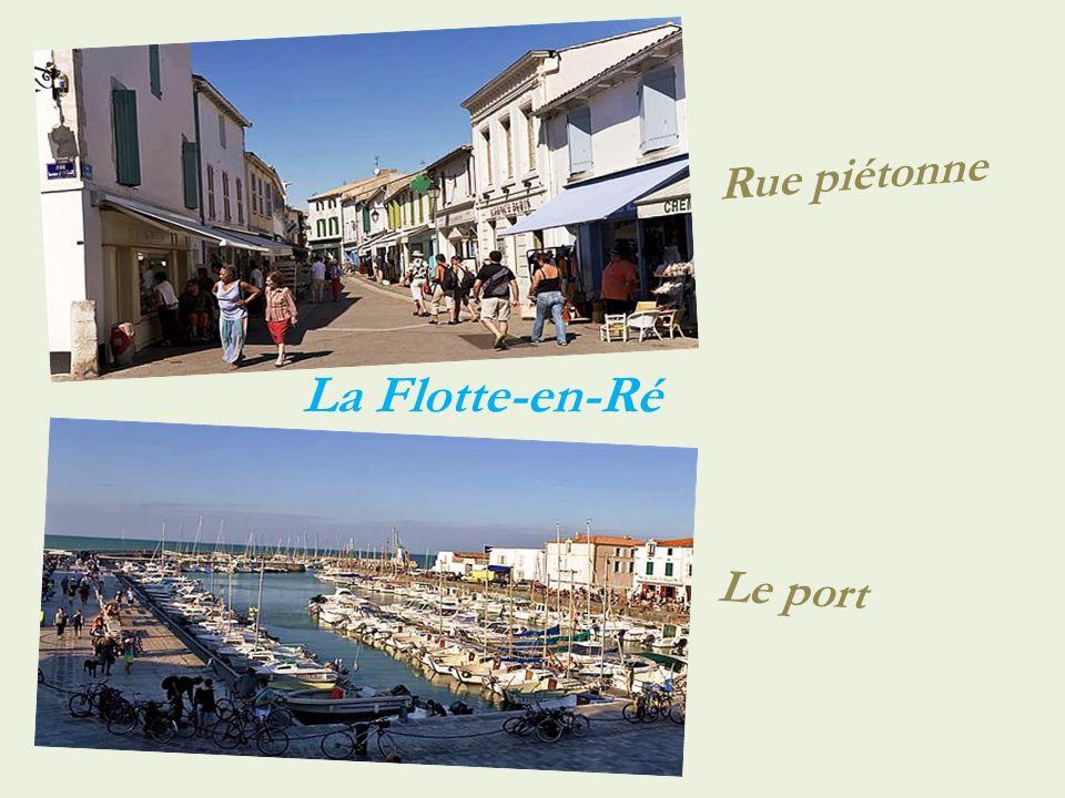 Rue piétonne La Flotte-en-Ré Le port