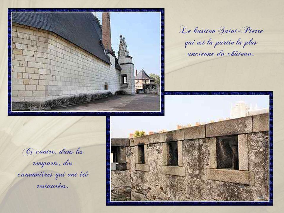 Le bastion Saint-Pierre qui est la partie la plus ancienne du château.