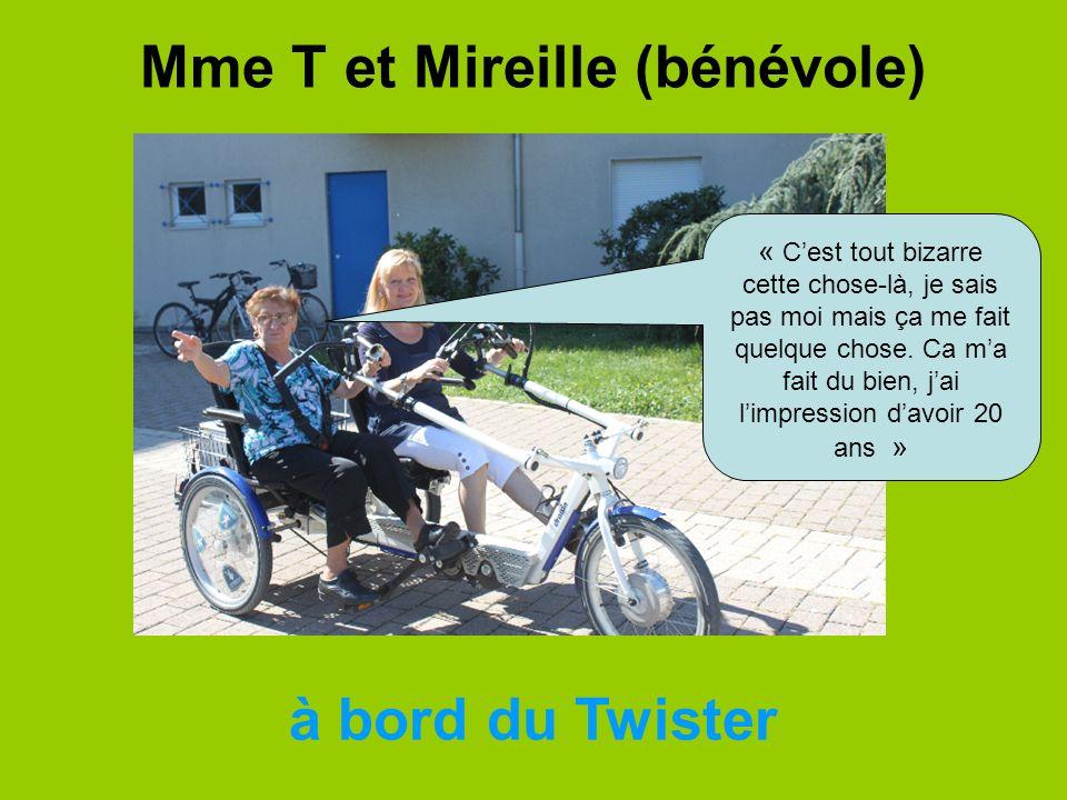 Mme T et Mireille (bénévole)