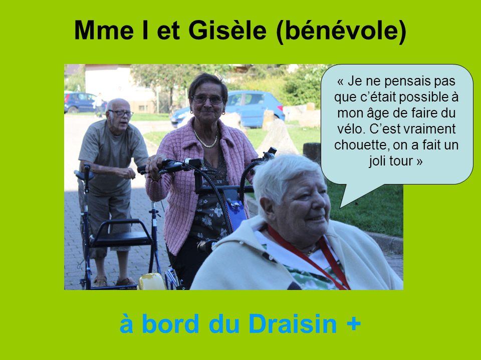 Mme I et Gisèle (bénévole)