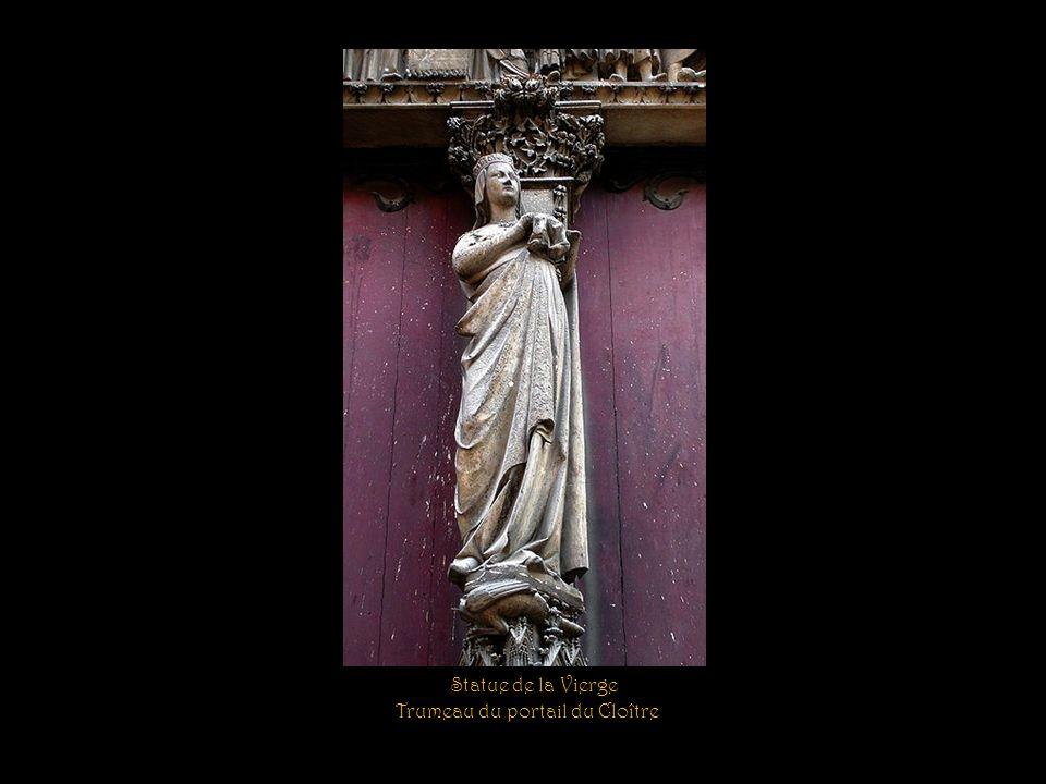 Trumeau du portail du Cloître