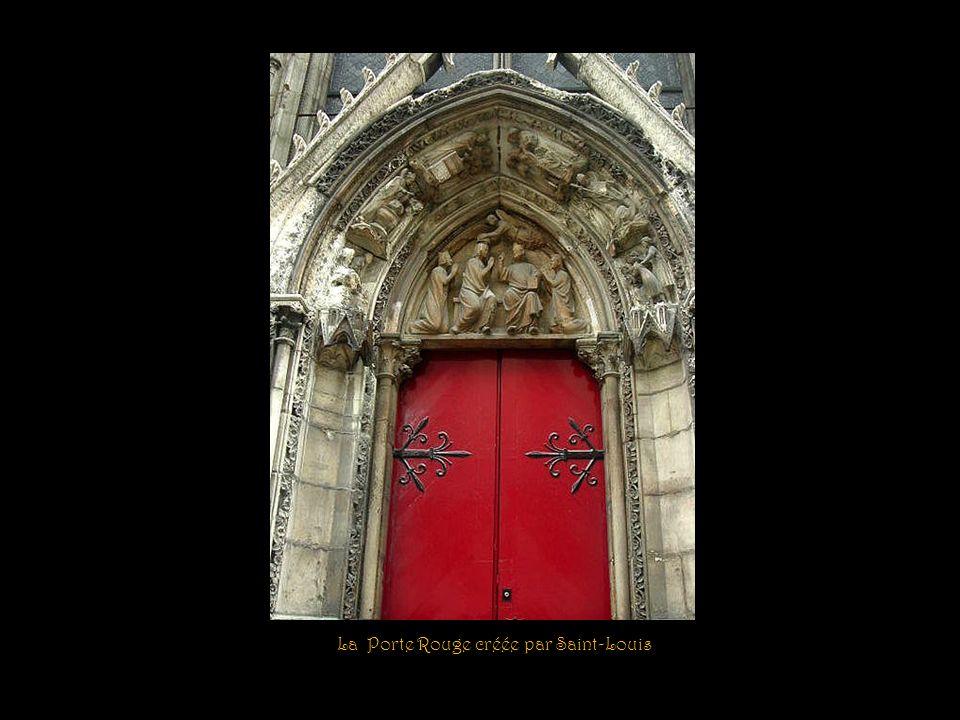 La Porte Rouge créée par Saint-Louis