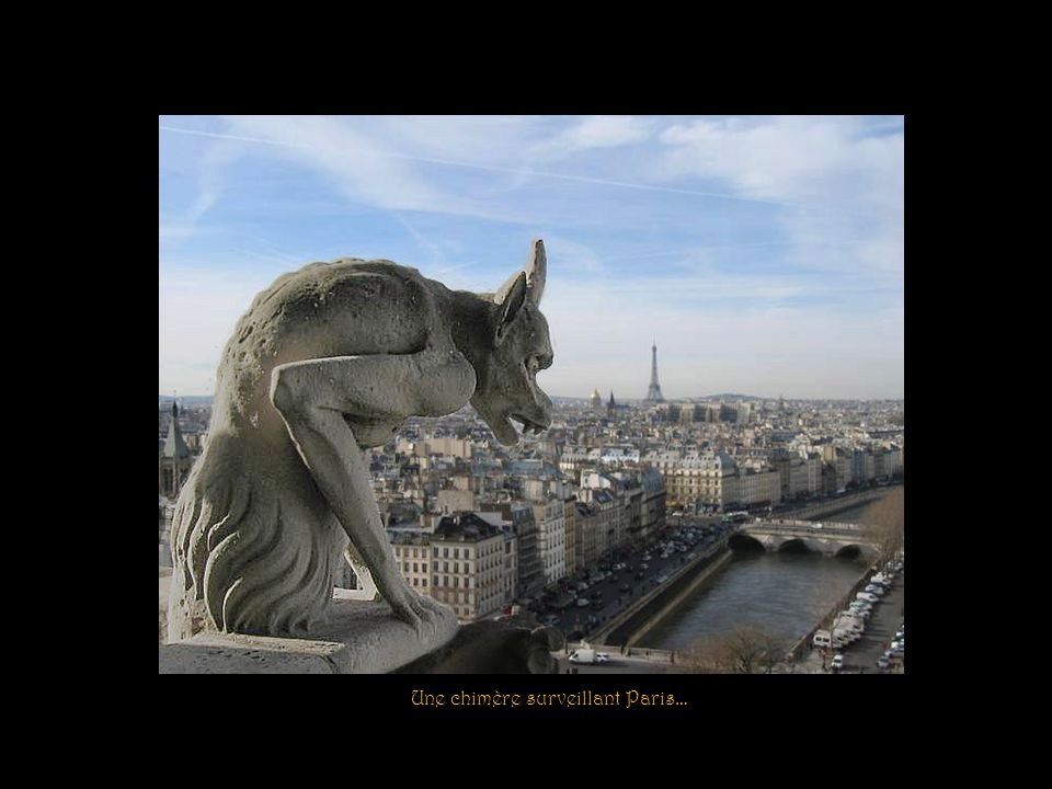 Une chimère surveillant Paris…
