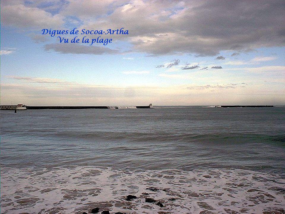 Digues de Socoa-Artha Vu de la plage
