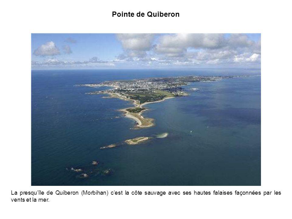 Pointe de Quiberon La presqu'île de Quiberon (Morbihan) c'est la côte sauvage avec ses hautes falaises façonnées par les vents et la mer.