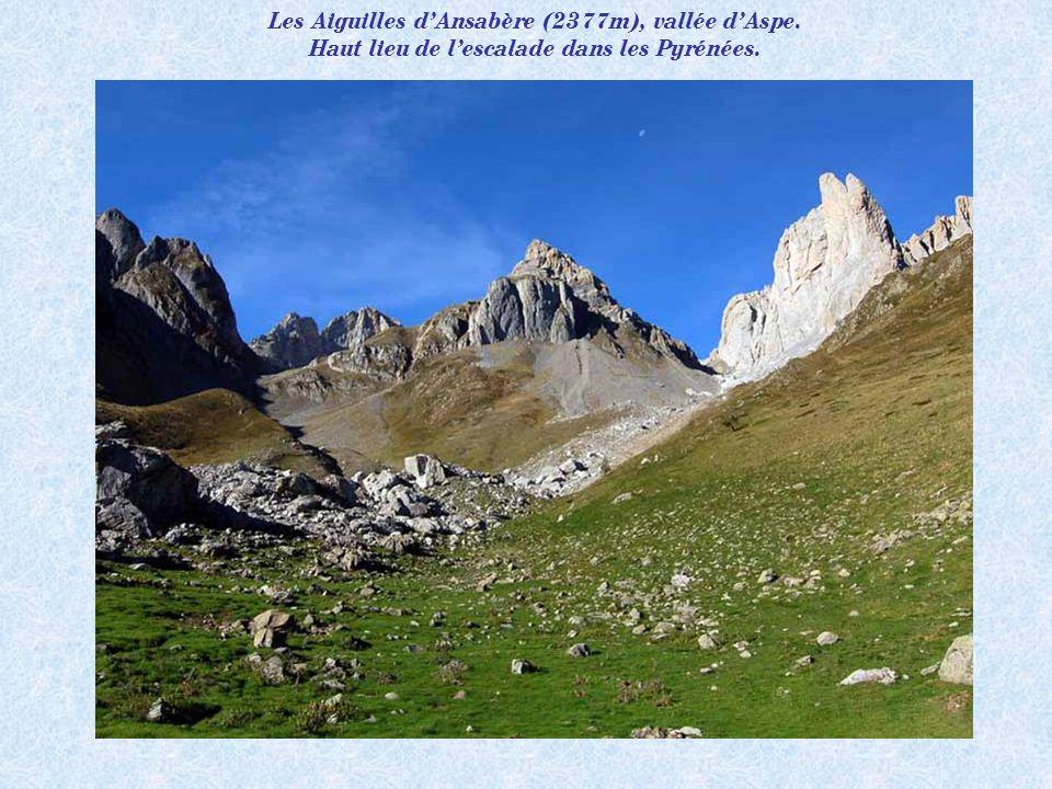 Les Aiguilles d'Ansabère (2377m), vallée d'Aspe.