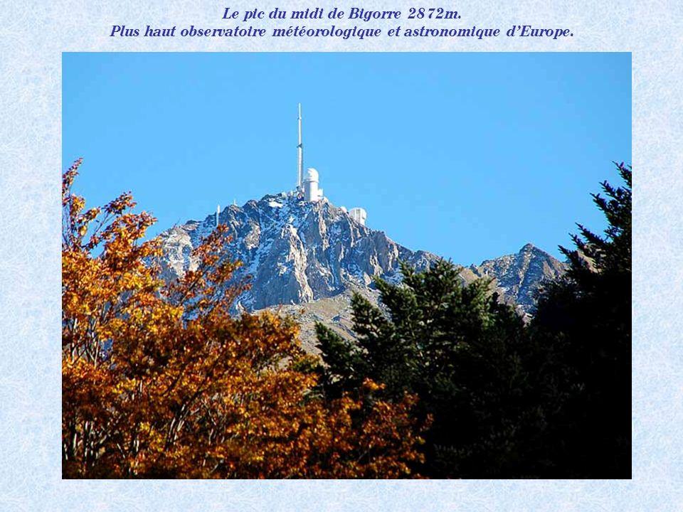 Le pic du midi de Bigorre 2872m.