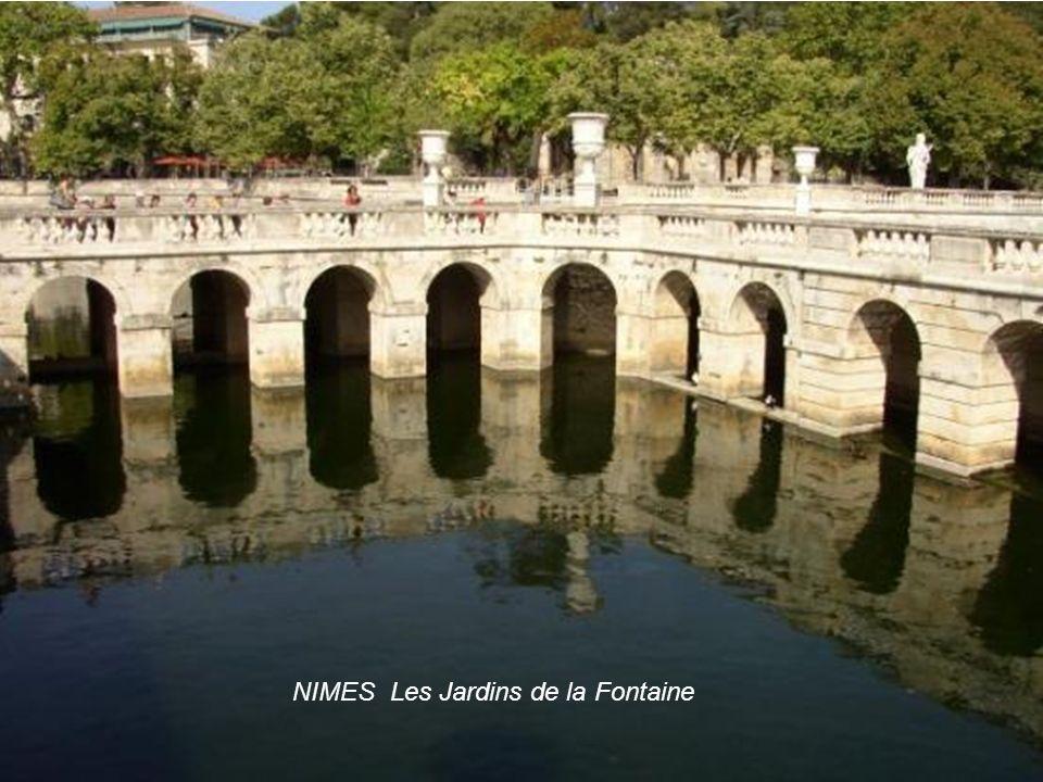 NIMES Les Jardins de la Fontaine