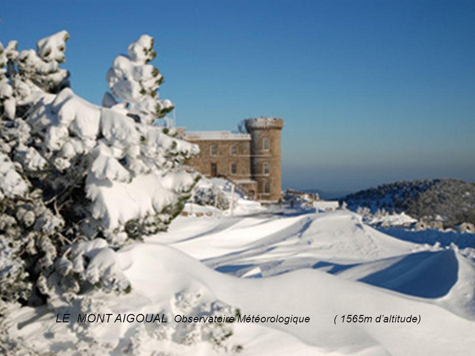 LE MONT AIGOUAL Observatoire Météorologique ( 1565m d'altitude)
