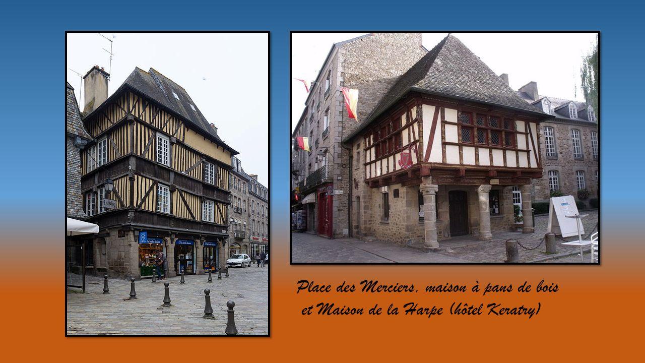 Place des Merciers, maison à pans de bois