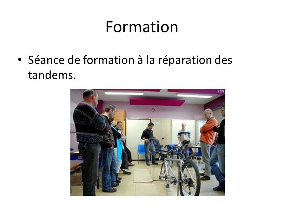 Formation Séance de formation à la réparation des tandems.
