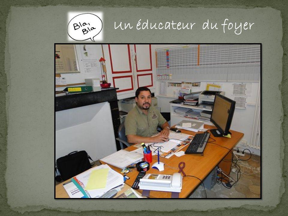 Un éducateur du foyer