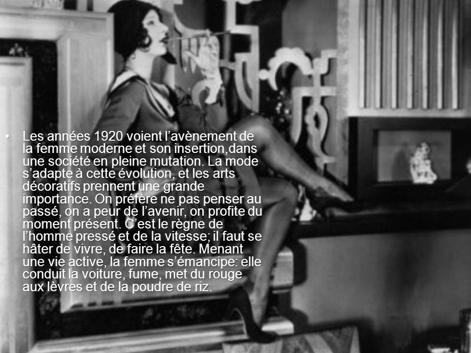 Les années 1920 voient l'avènement de la femme moderne et son insertion,dans une société en pleine mutation.