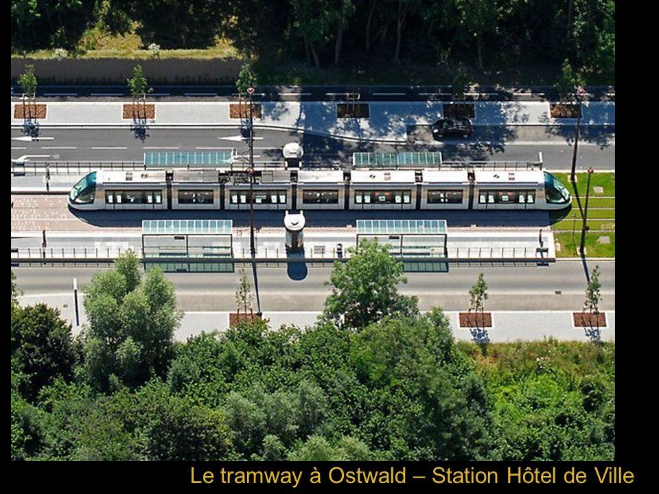 Le tramway à Ostwald – Station Hôtel de Ville