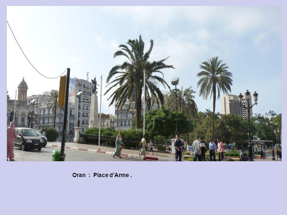 Oran : Place d'Arme .