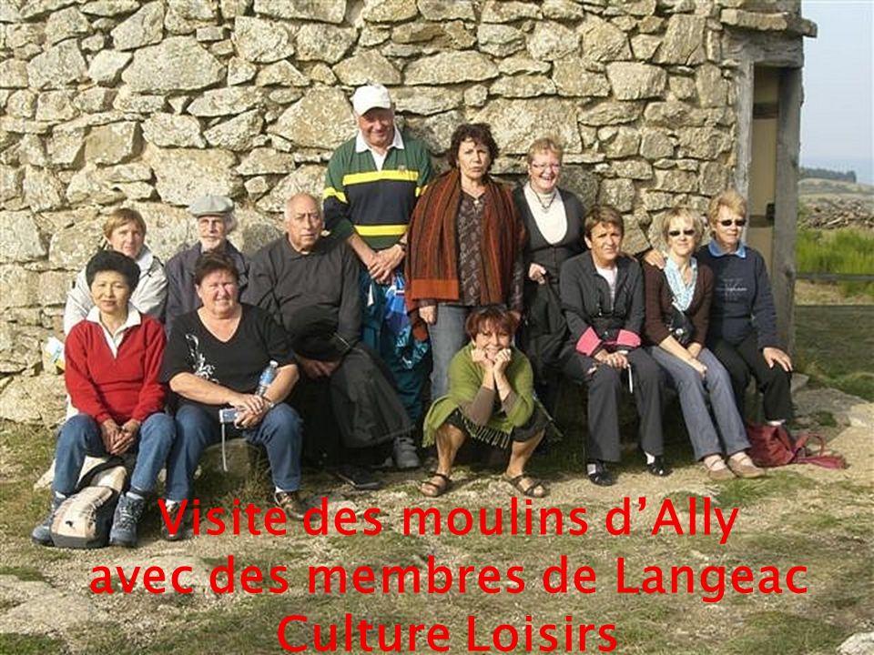 Visite des moulins d'Ally avec des membres de Langeac Culture Loisirs