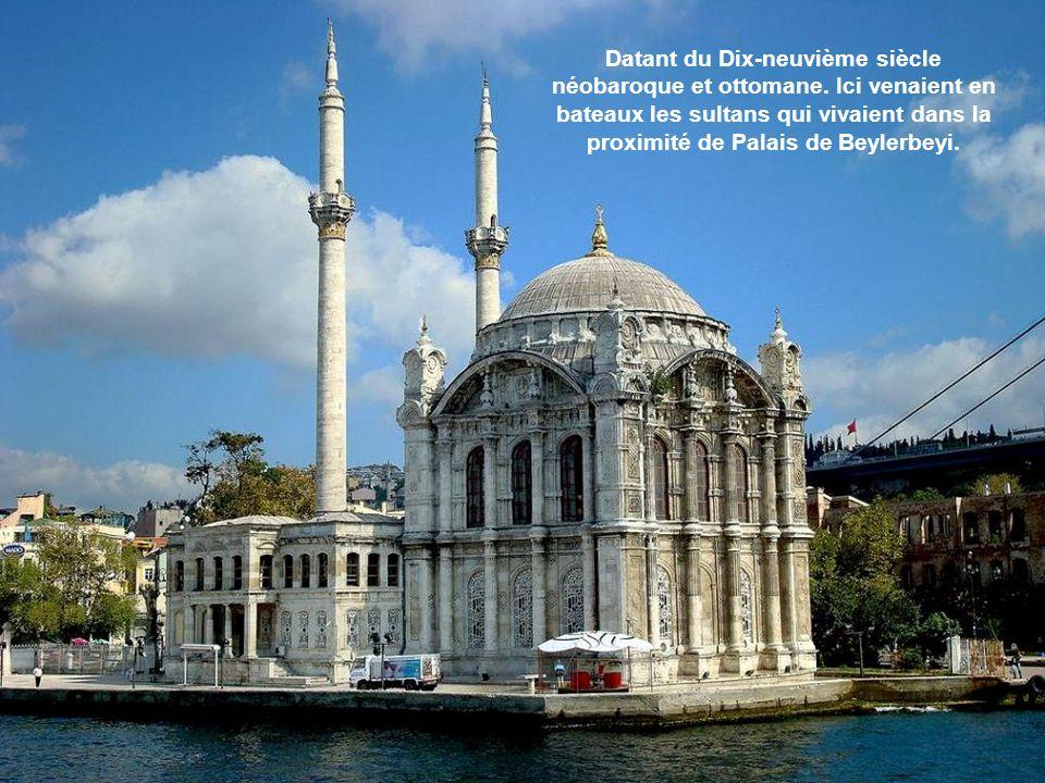 Datant du Dix-neuvième siècle néobaroque et ottomane