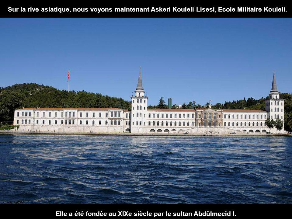 Elle a été fondée au XIXe siècle par le sultan Abdülmecid I.