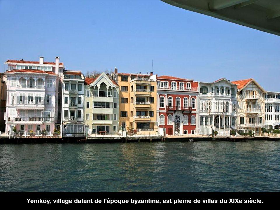 Yeniköy, village datant de l époque byzantine, est pleine de villas du XIXe siècle.