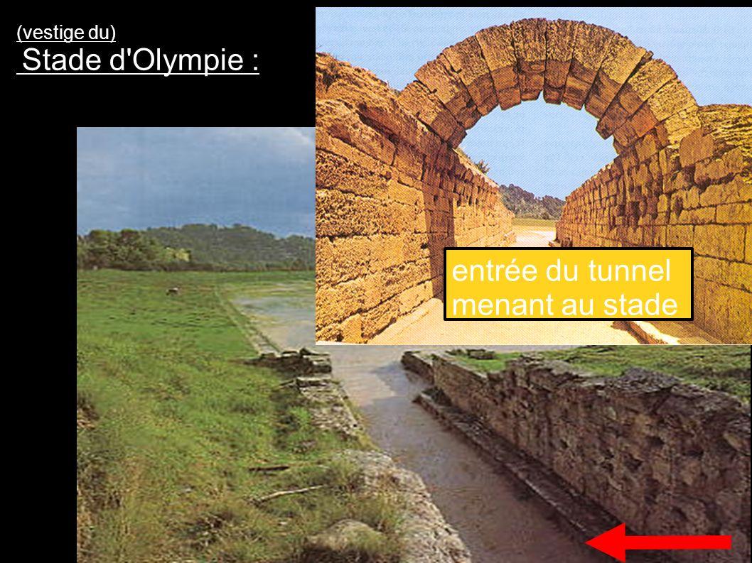 entrée du tunnel menant au stade