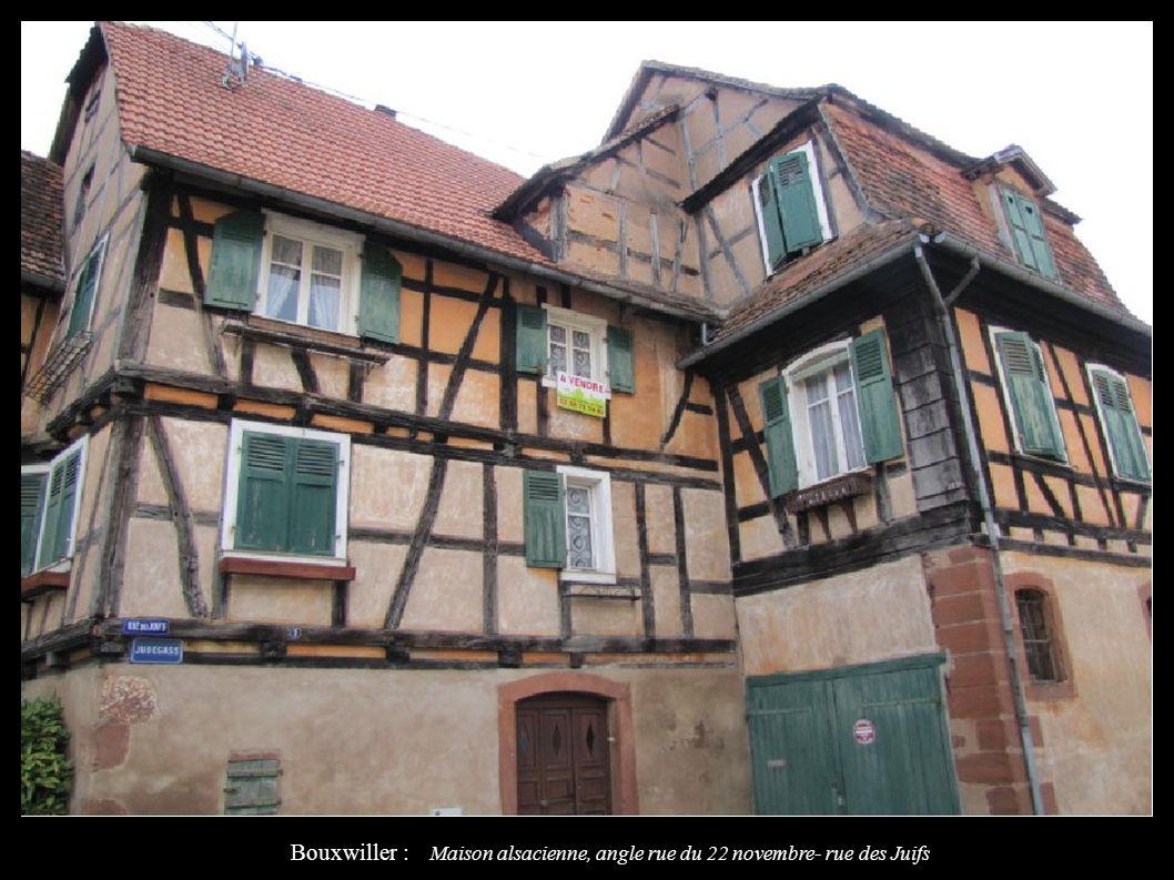 Bouxwiller : Maison alsacienne, angle rue du 22 novembre- rue des Juifs