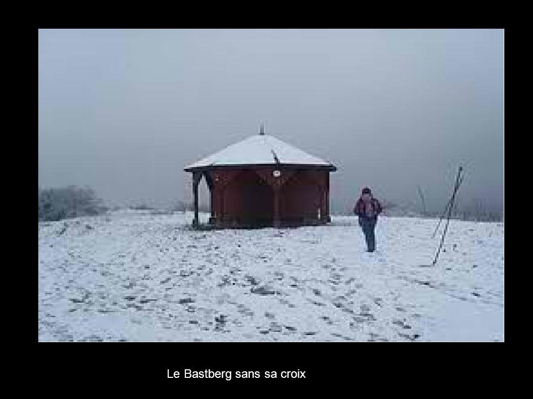 Le Bastberg sans sa croix