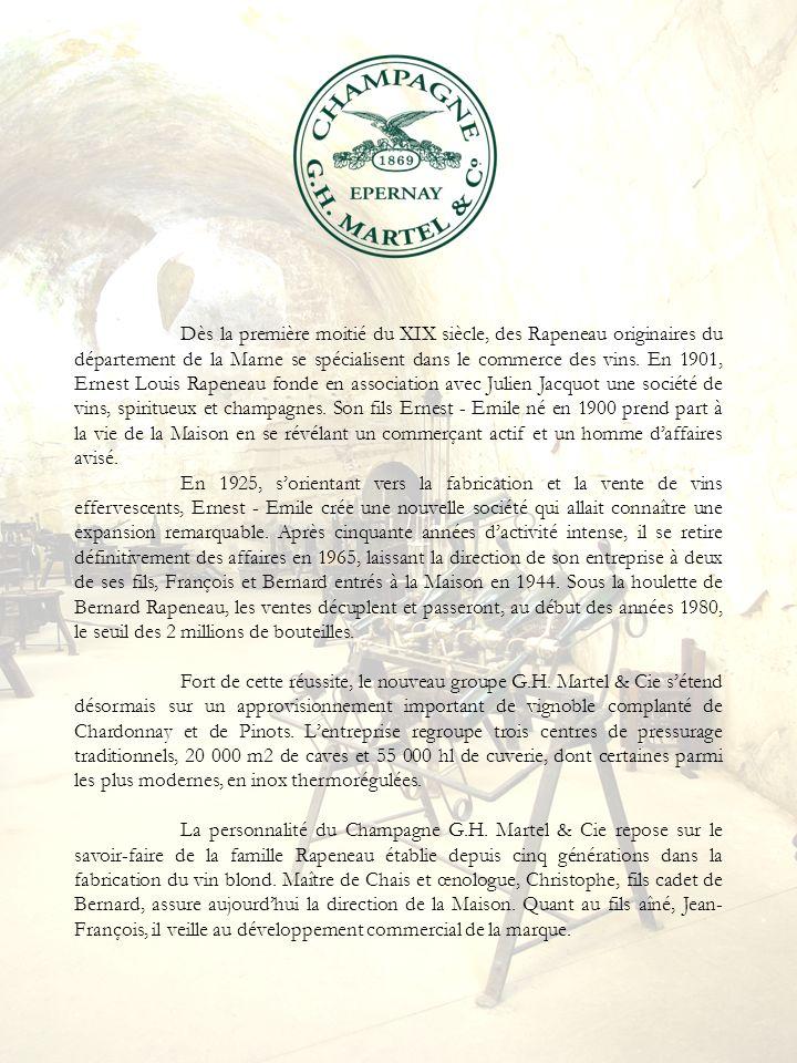 Dès la première moitié du XIX siècle, des Rapeneau originaires du département de la Marne se spécialisent dans le commerce des vins. En 1901, Ernest Louis Rapeneau fonde en association avec Julien Jacquot une société de vins, spiritueux et champagnes. Son fils Ernest - Emile né en 1900 prend part à la vie de la Maison en se révélant un commerçant actif et un homme d'affaires avisé.