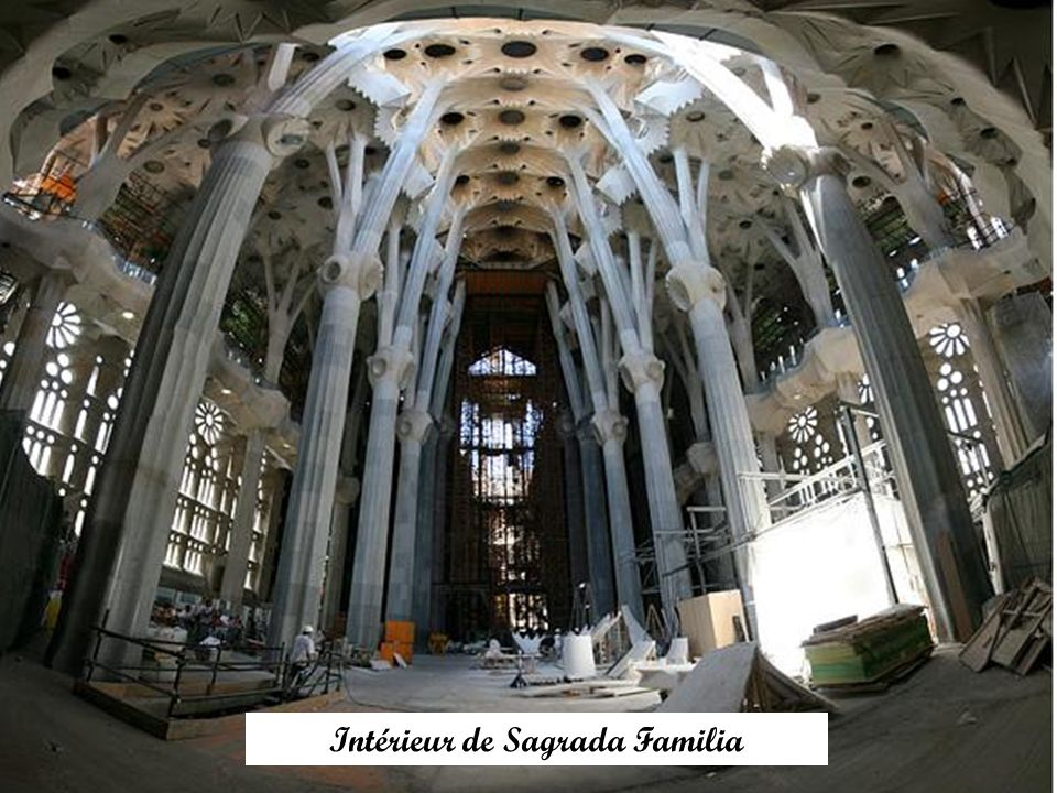 Intérieur de Sagrada Familia