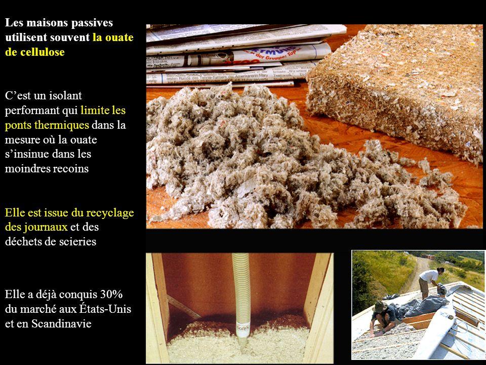 Les maisons passives utilisent souvent la ouate de cellulose