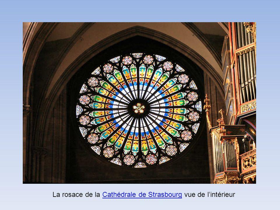 La rosace de la Cathédrale de Strasbourg vue de l'intérieur