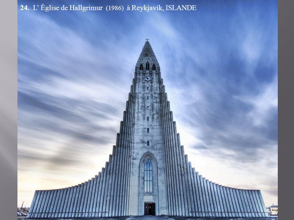 24. L' Église de Hallgrimur (1986) à Reykjavik, ISLANDE