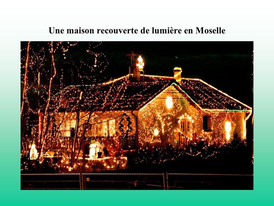 Une maison recouverte de lumière en Moselle