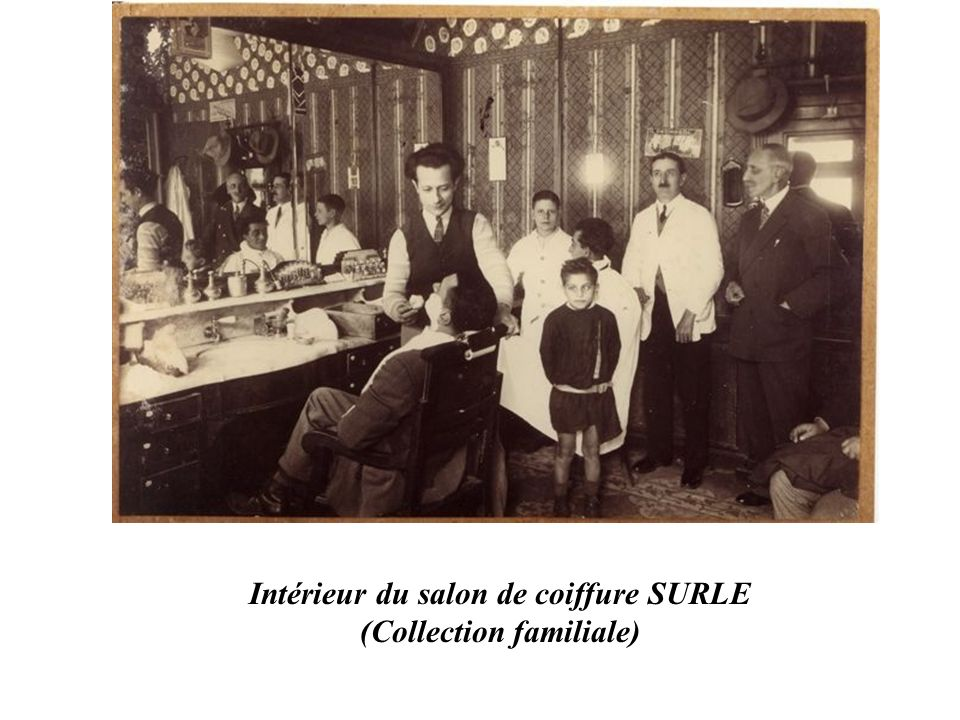 Intérieur du salon de coiffure SURLE (Collection familiale)