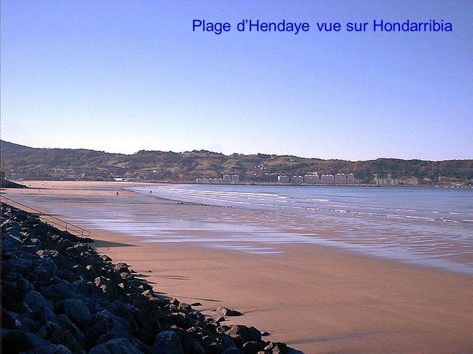 Plage d'Hendaye vue sur Hondarribia