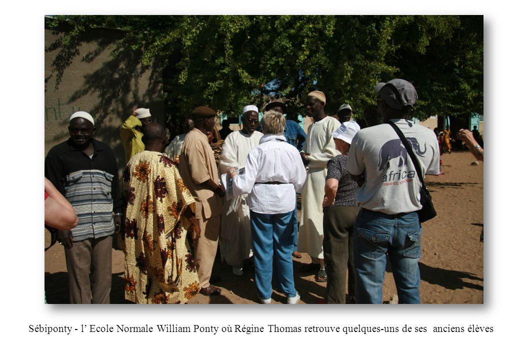 Sébiponty - l' Ecole Normale William Ponty où Régine Thomas retrouve quelques-uns de ses anciens élèves