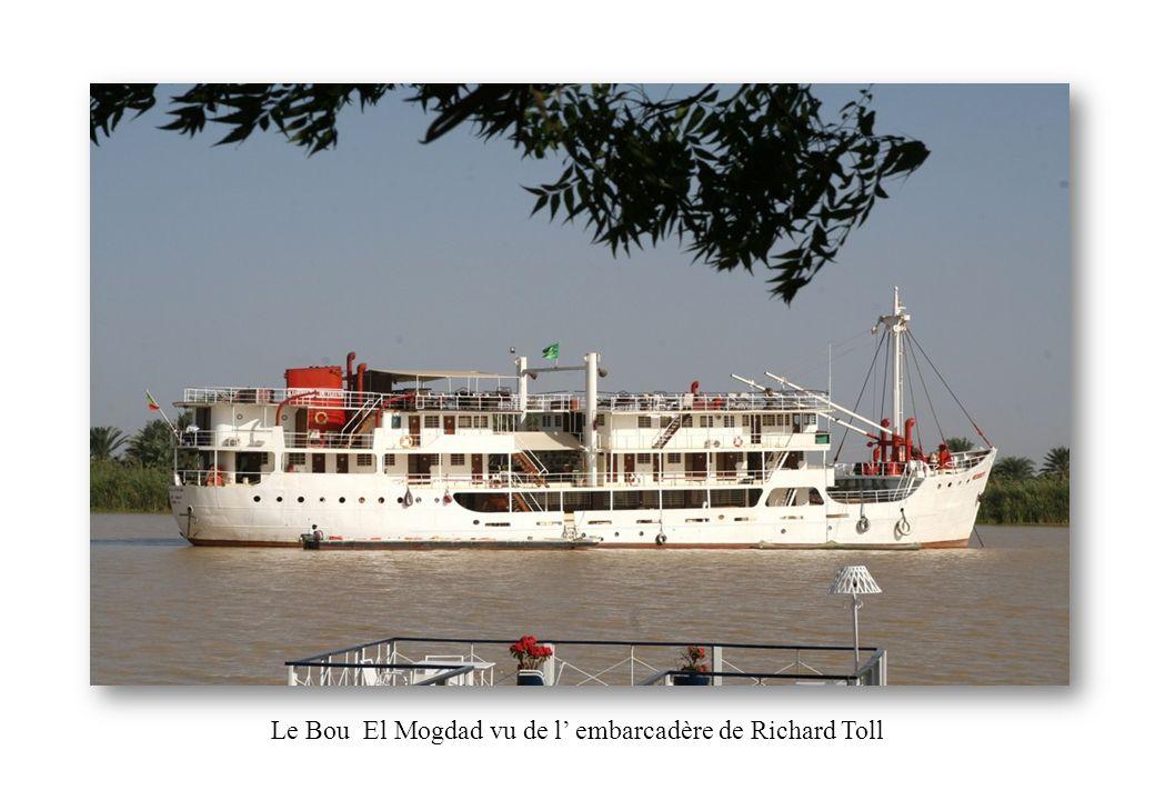 Le Bou El Mogdad vu de l' embarcadère de Richard Toll