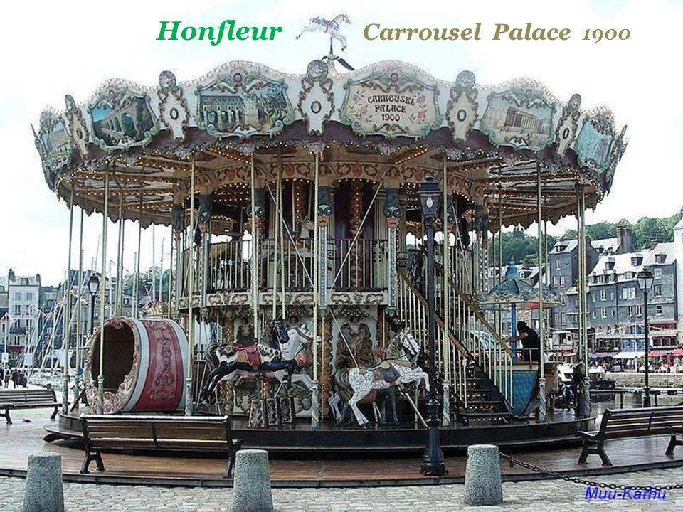 Honfleur Carrousel Palace 1900