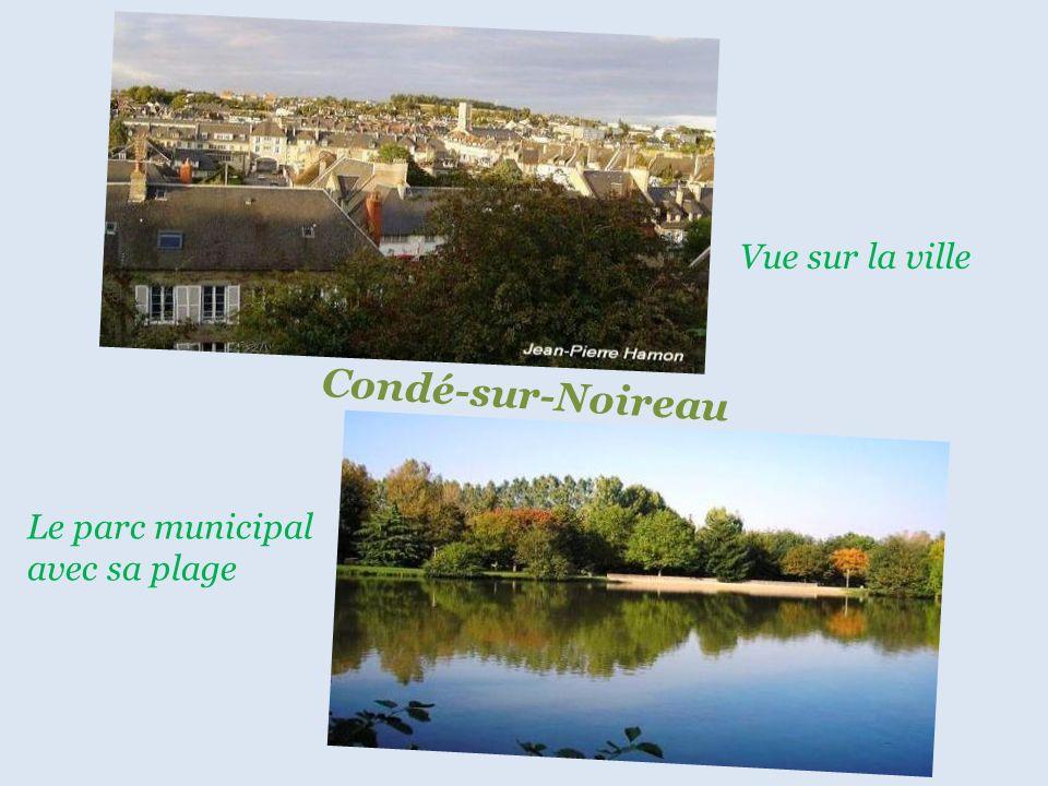 Vue sur la ville Condé-sur-Noireau Le parc municipal avec sa plage